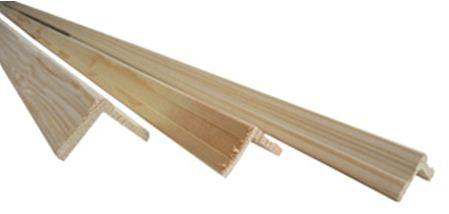 деревянный плинтус будет наиболее уместен на нашем балконе