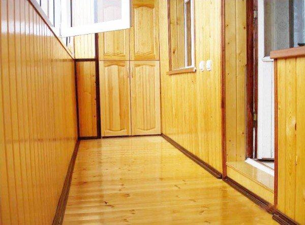 обшивка деревянной вагонкой балкона