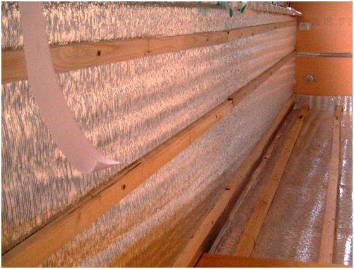 как самому обшить лоджию вагонкой.  Горизонтальная обрешетка для деревянной отделки.